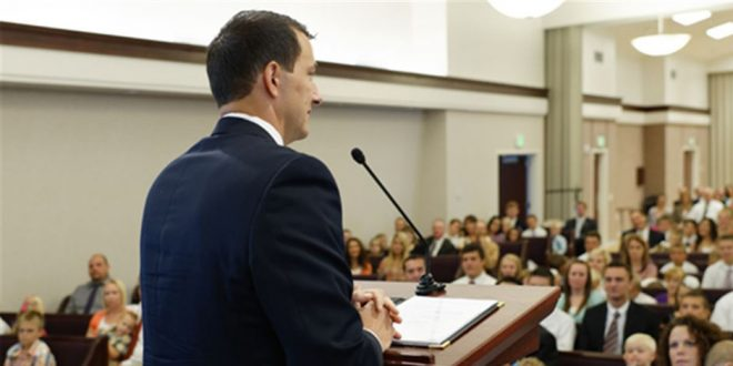 """The Self-Proclaimed """"Bad Dad"""" Whose First Testimony Goes Viral"""